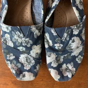 Toms | Blue Floral Print